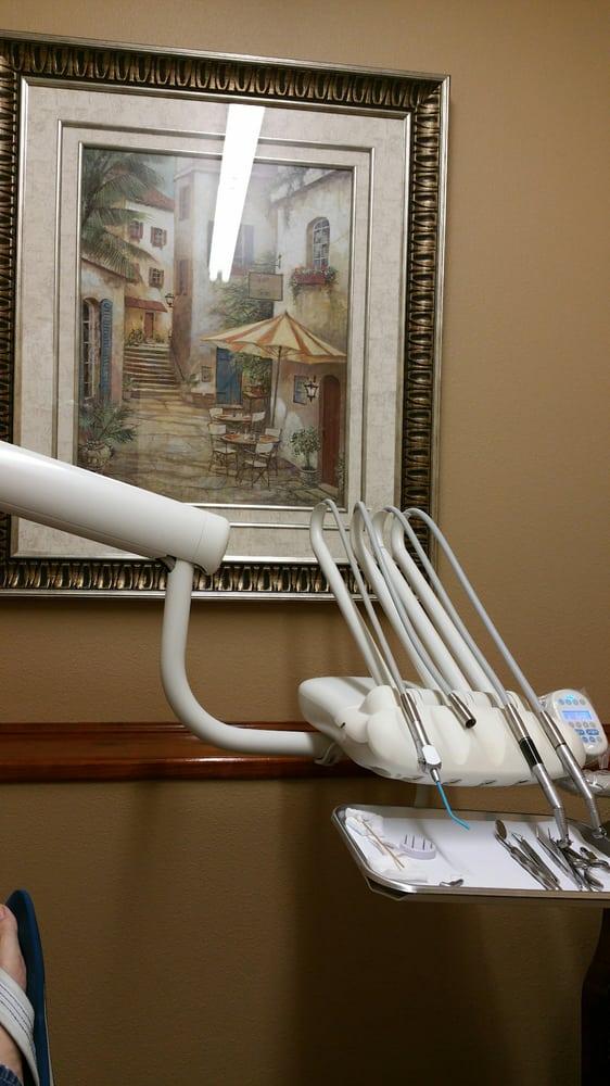 Fleshman Brenda Dentist: 1028 N Velasco St, Angleton, TX