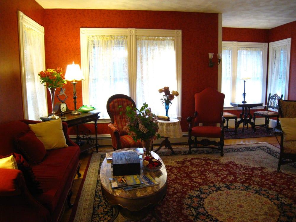 Manor House Inn: 106 West St, Bar Harbor, ME