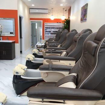 Photo Of Modern Nails   Santa Monica, CA, United States. Brand New Massage