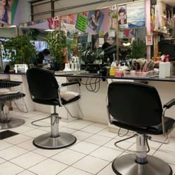Singalong hair beauty salon hairdressers 633 main for 88 beauty salon vancouver