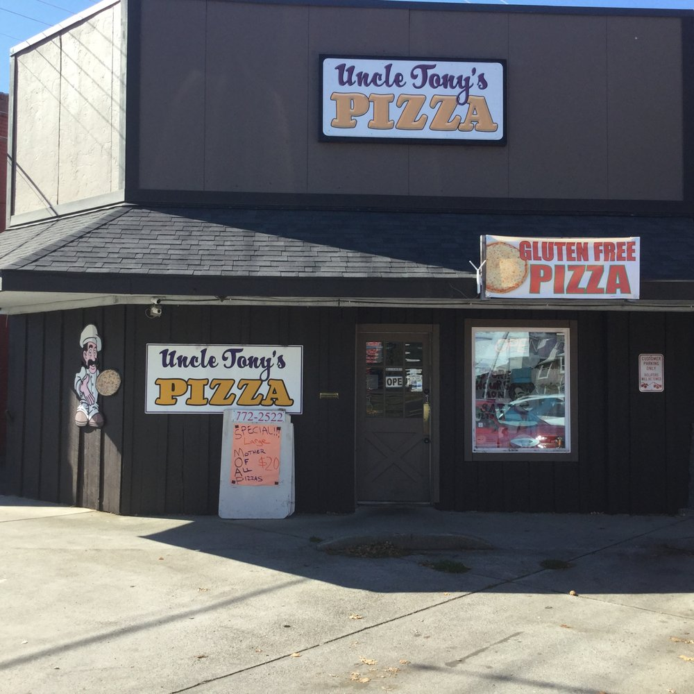 Uncle Tony's Pizza: 111 N Columbus Ave, Goldendale, WA
