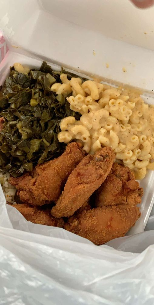 Food from BoBo's Chicken Shack