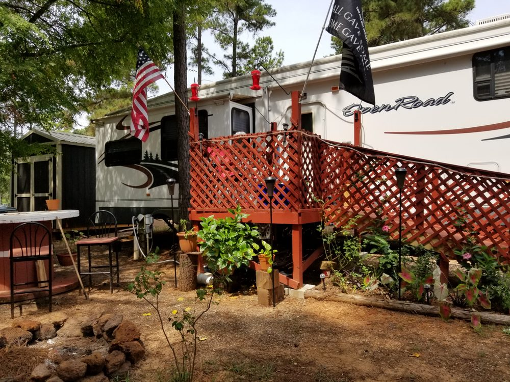 Shady Pines: 220 County Rd 4208, Jacksonville, TX