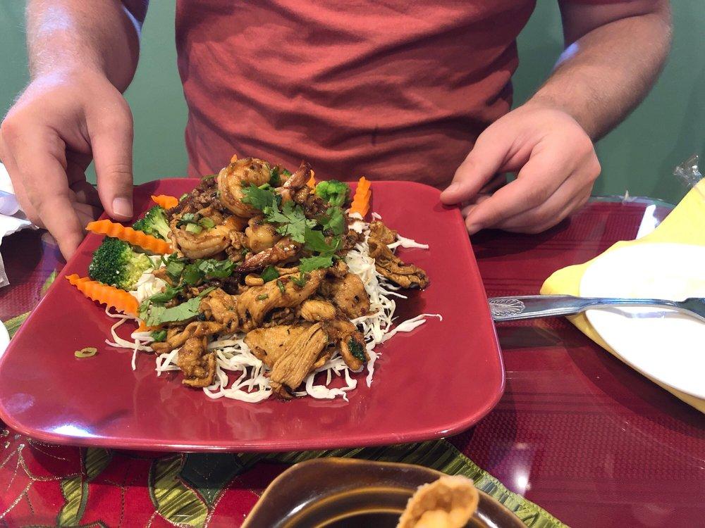 Penn's Thai Grille: 4459 W Franklin St, Bellbrook, OH