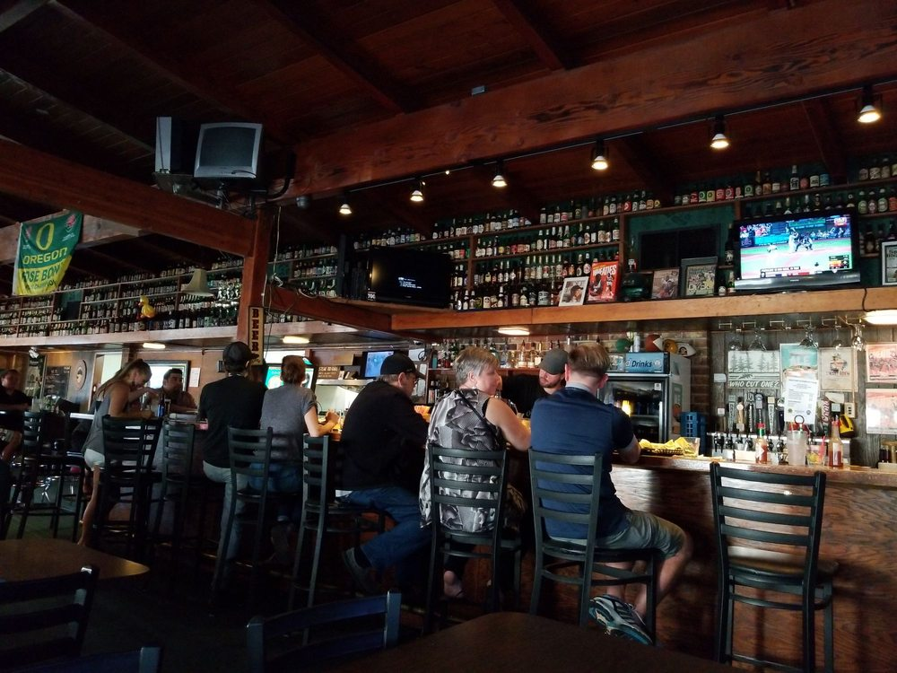 Park City Pub: 8025 NE Sandy Blvd, Portland, OR