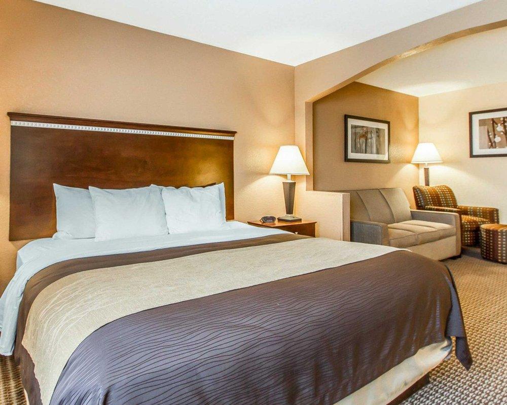 Quality Inn & Suites: 1200 East Baker St, Mount Pleasant, IA