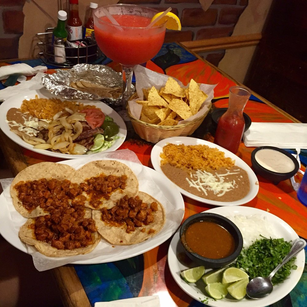 Jose's Authentic Mexican Restaurant: 825 8th St, Baraboo, WI