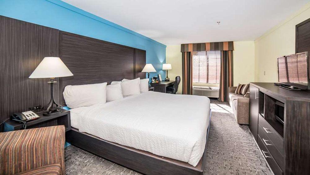 Magnuson Hotel Wildwood Inn Crawfordville: 3896 Coastal Highway 98, Crawfordville, FL