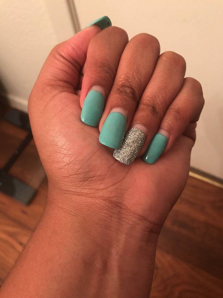 This is my dipped nails after a month with no fill in (haven\'t had ...