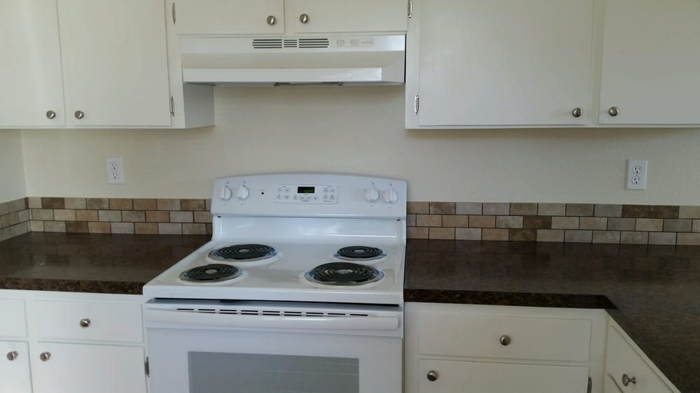 Rental Rehab Kitchen Counter Tops New Appliances Cabinets Paint And Flooring Vancouver Wa