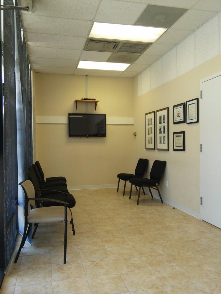 Warrenton Urgent Care: 75 W Lee Hwy, Warrenton, VA
