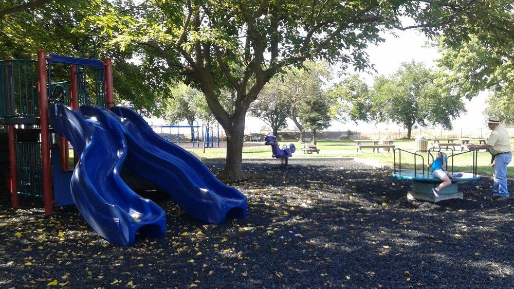 Jensen Park: 400 Elm St, Willows, CA