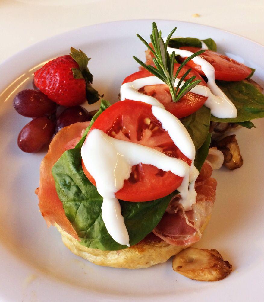 Patty Cakes Cafe & Roasting: 98 Main St, Cathlamet, WA