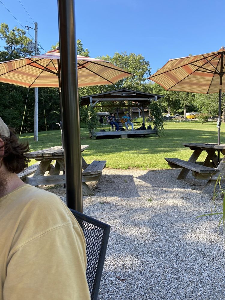 Quibble Hill Winery: 338 Gowers Ln NW, Depauw, IN