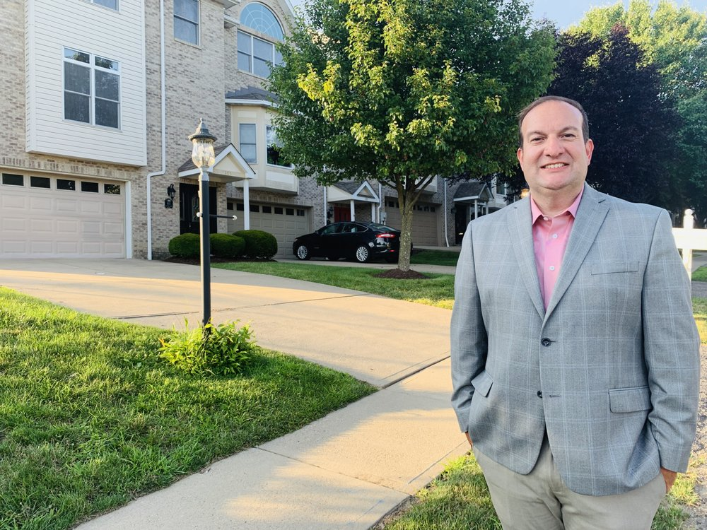 DeSantis Property Management: 200 Commerce Dr, Moon Township, PA