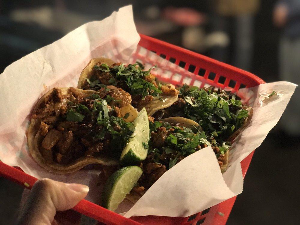 Tacos Los Tres Reyes