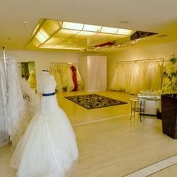 aeb95003543 Cecile Wedding Fashion - 22 Beiträge - Brautmode   Hochzeitsdeko ...