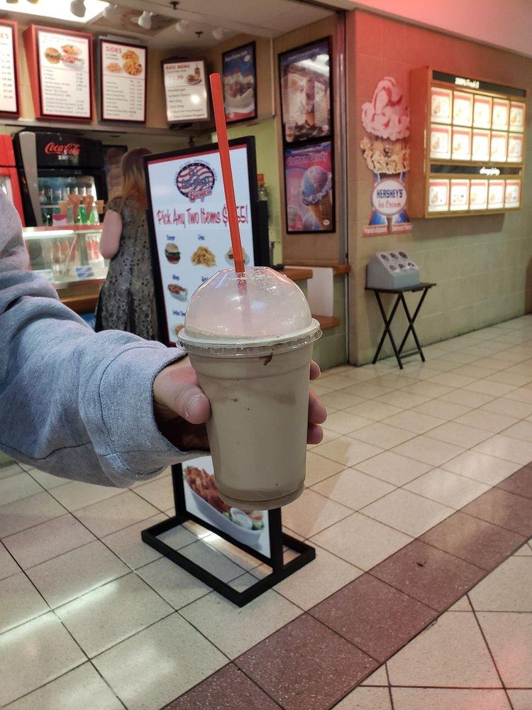 All American Burger: 4200 Portsmouth Blvd, Chesapeake, VA