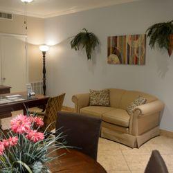 Monterey Village - 11 Photos - Apartments - 2930 Kings Rd, Oak ...