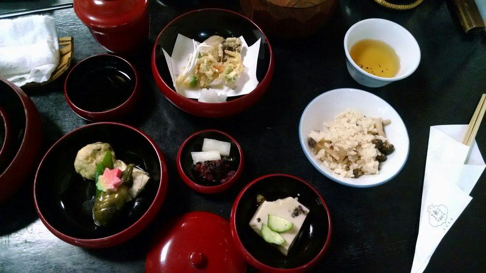 Izusen Murasakino
