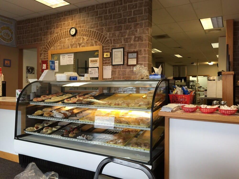 Yaccos Corner Bakery: 701 9th St, Wheatland, WY