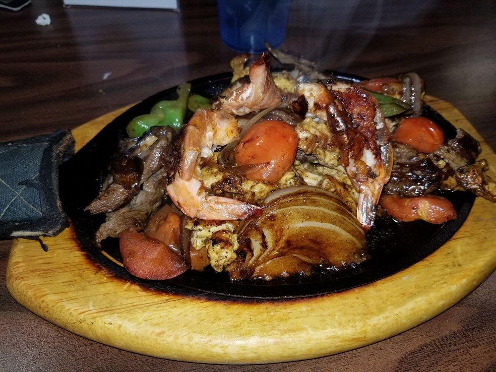 El Tucan Restaurant: 18013 Dumfries Shopping Plz, Dumfries, VA