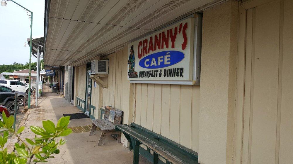 Granny's: 104 Oak St, Mountain View, MO