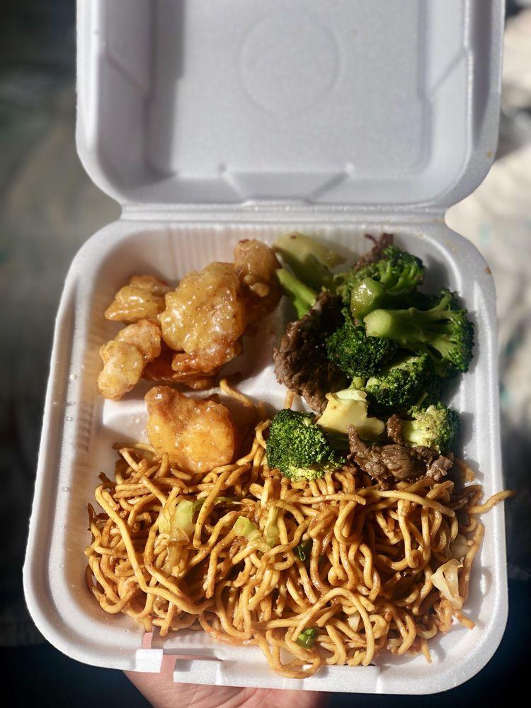 Hilltop Chinese Restaurant: 31956 Hilltop Blvd, Running Springs, CA