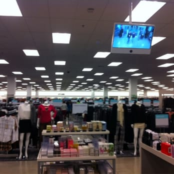 Browse all Nordstrom Rack locations in Chicago, IL to shop apparel, shoes, jewelry, luggage for women, men and children.