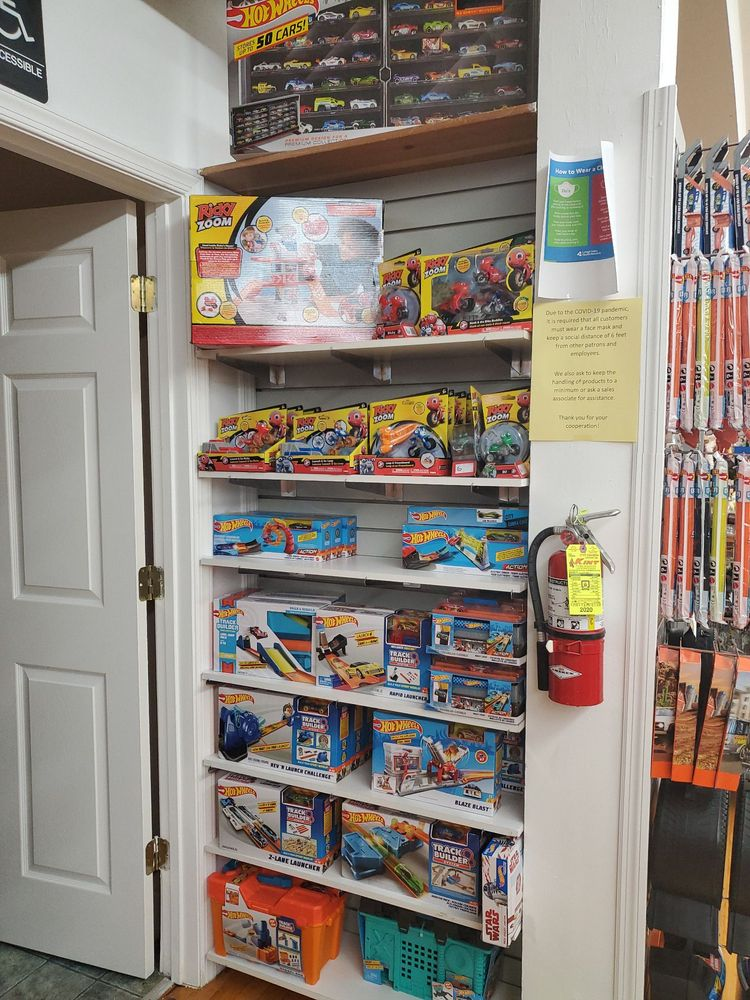 Toys On The Square: 22 E Main St, Hummelstown, PA