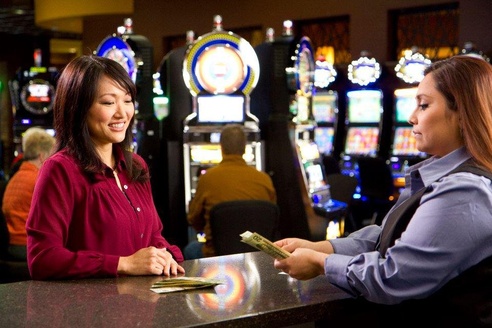 Ohiya Casino & Resort: 53142 Hwy 12, Niobrara, NE