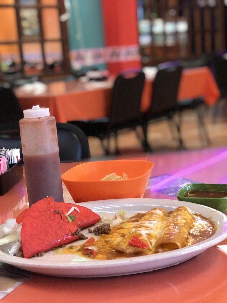 El Chato's Restaurant: 1201 15th St, Ozona, TX