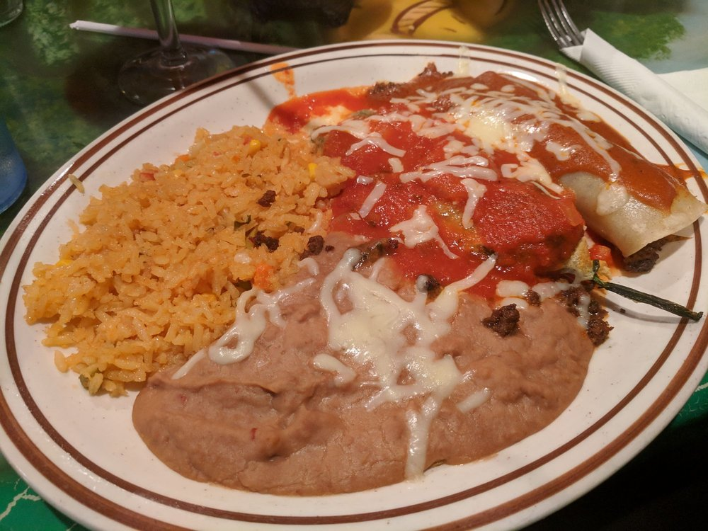 El Mazatlan Authentic Mexican Restaurant: 1525 Tullamore St, Mankato, MN