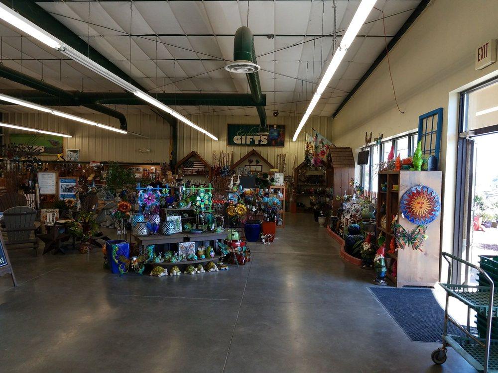 Earl May Nursery & Garden Center: 3001 S Center St, Marshalltown, IA