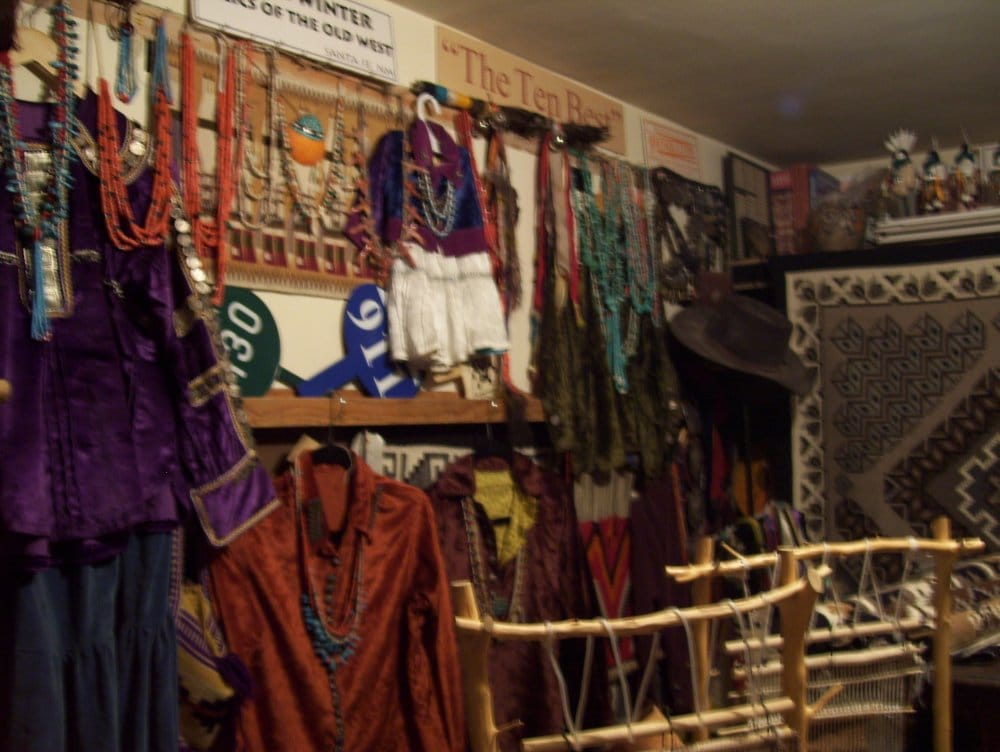 Toadlena Trading Post & Two Grey Hills: Weaving Museum Toadl, Newcomb, NM