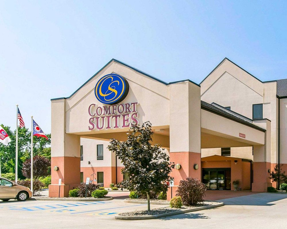 Comfort Suites: 2940 County Rd 144, South Point, OH