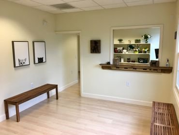 Twin Valley Veterinary Hospital: 105 Darby Sq, Elverson, PA