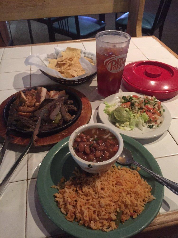 Pulido's Mexican Restaurants: 7601 Benbrook Pkwy, Benbrook, TX