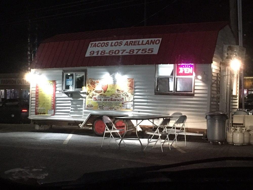 Tacos los Arellano: 12821 E 31 St St, Tulsa, OK