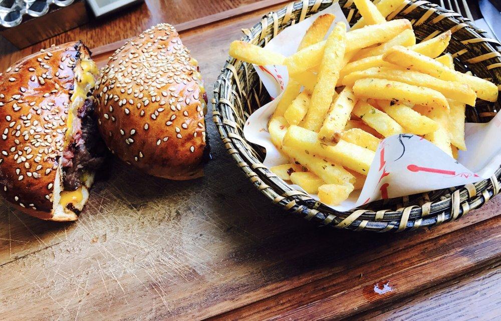 Nusr-Et Burger