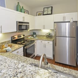 Delicieux Photo Of Savannah Midtown Apartments   Atlanta, GA, United States. Gourmet  Kitchen
