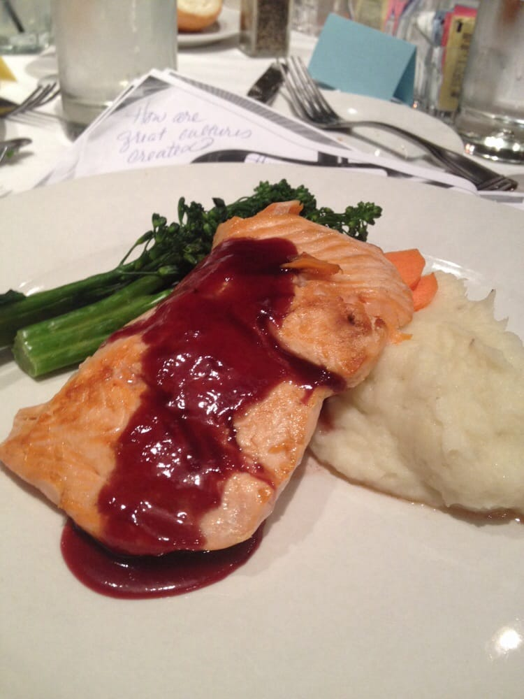 Salmon with nw berry sauce yelp for Spenger s fresh fish grotto