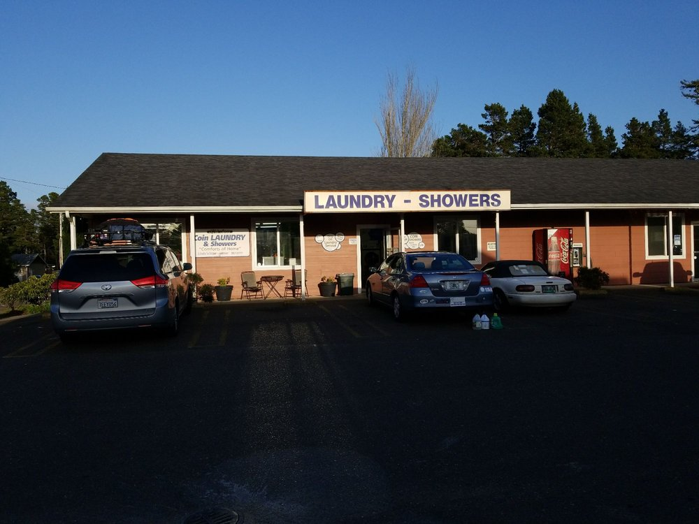 37th Street Coin Laundry & Shower: 1856 37th St, Florence, OR