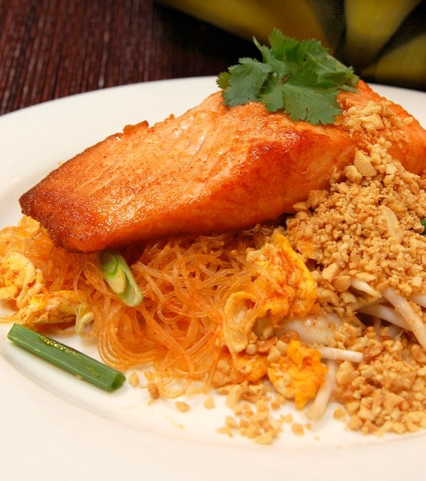 Crystal salmon pad thai yelp for Amarin thai cuisine menu