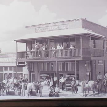 Photo Of Tchoupitoulas Crockett Tx United States Old Tchoupitula Hotel Closed 10 Photos Seafood 208 E Goliad Ave