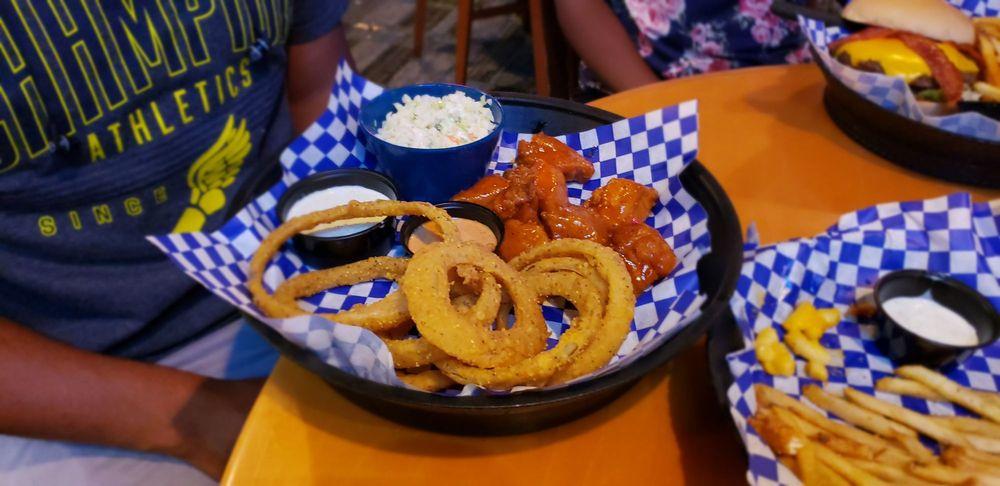 Blue Moose Burgers & Wings