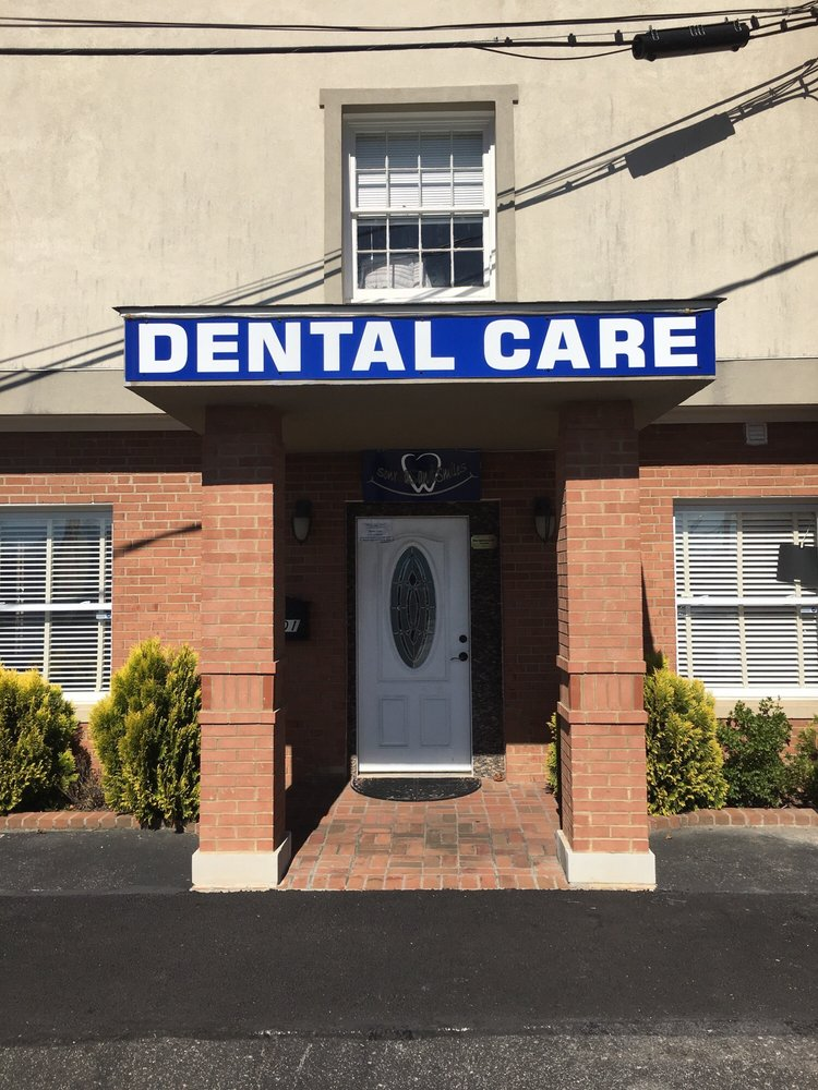 Sonrisas and Smiles Dental Care