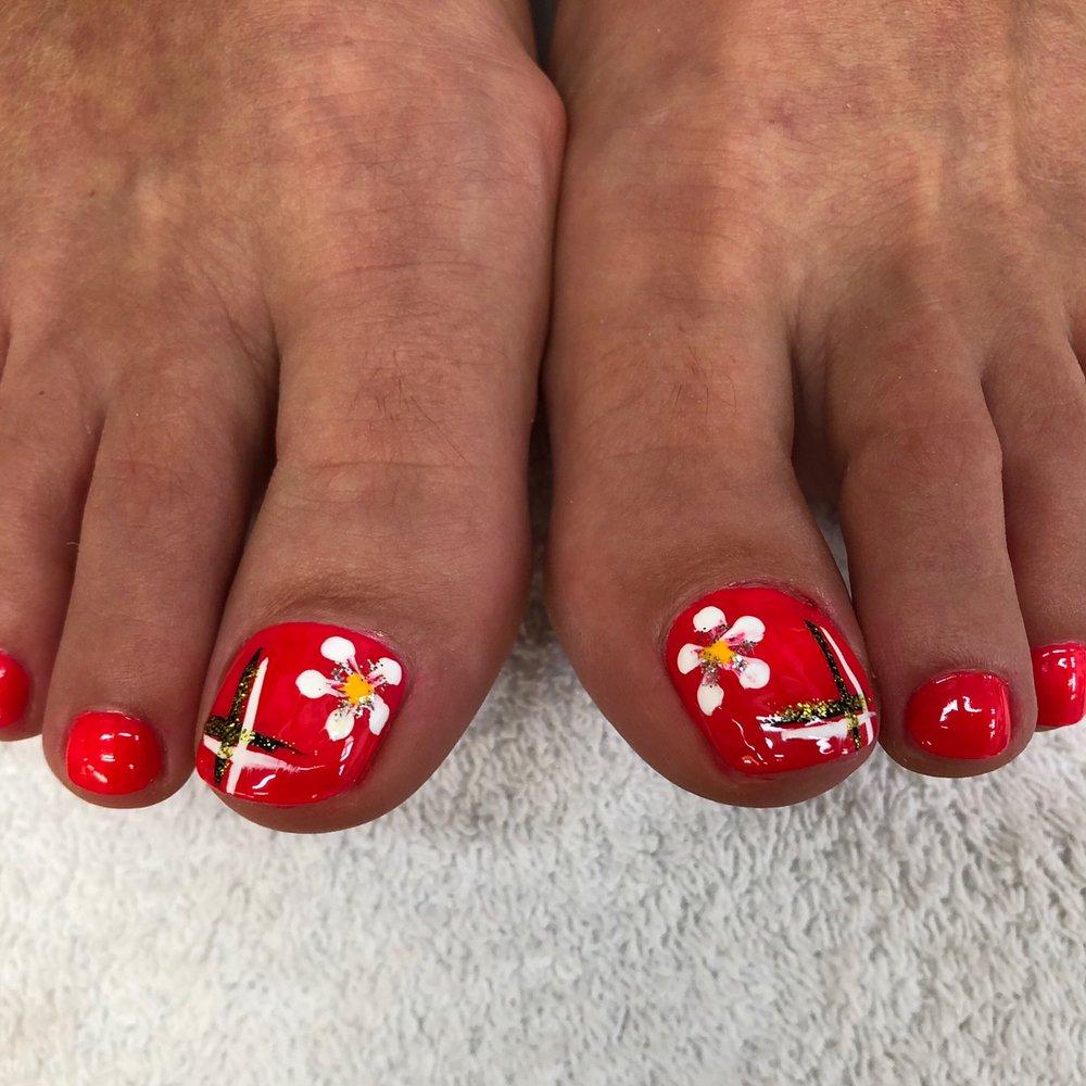 Davisville Nails & Spa Ltd