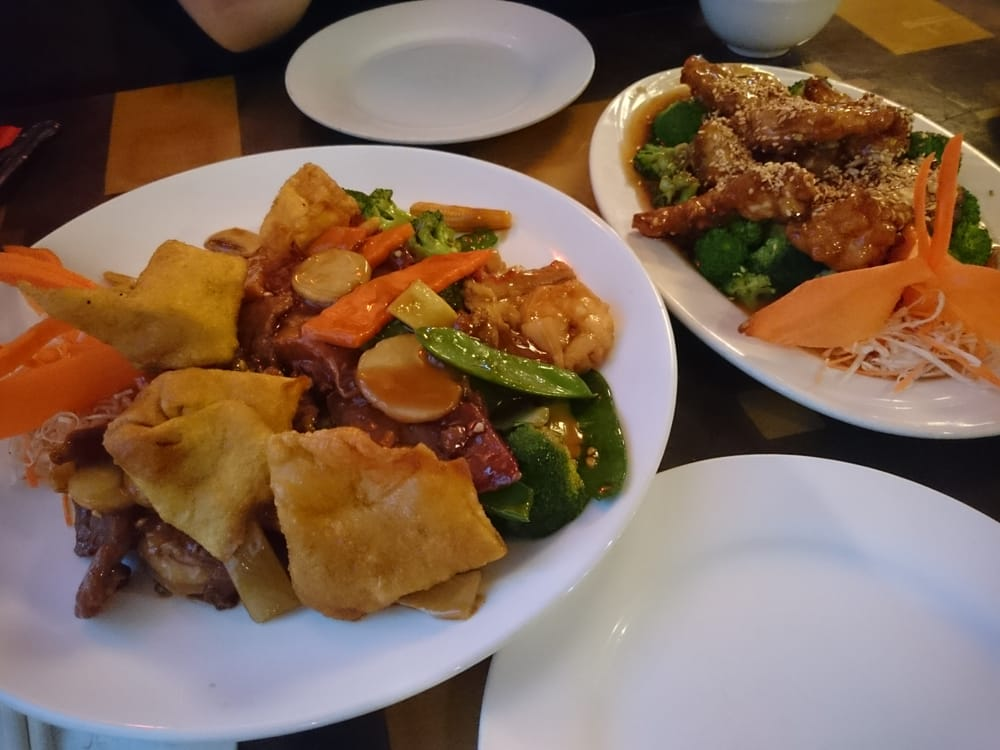 You you restaurant 26 photos 52 reviews chinese for Accord asian cuisine ny