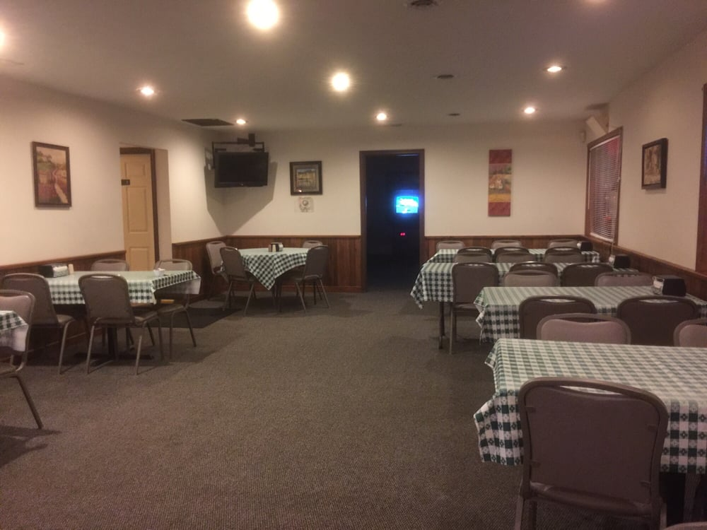 Pc's Pizza: 40 Rolling Hills Dr, Reedsville, WV